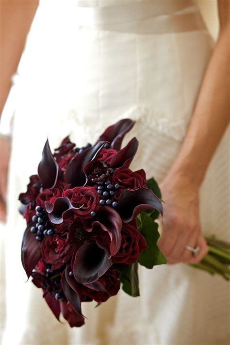 wedding wednesday red bouquets flirty fleurs