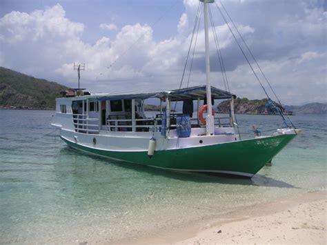boat komodo discover komodo adventure 187 1 day komodo trip by local boat