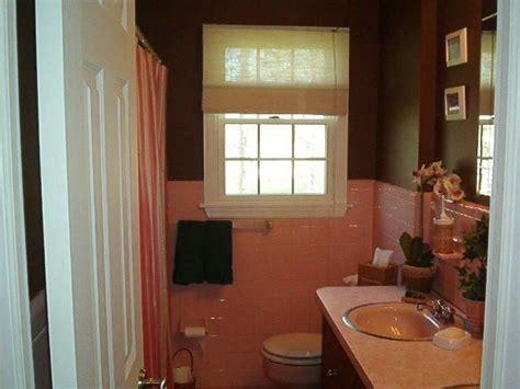 Pink And Brown Bathroom Ideas by Best 25 Brown Tile Bathrooms Ideas On Brown