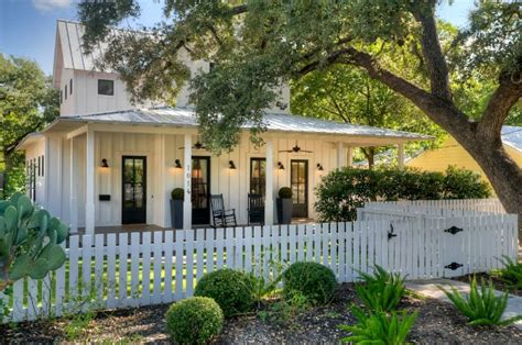 texas farmhouse homes modern farmhouse for sale in austin
