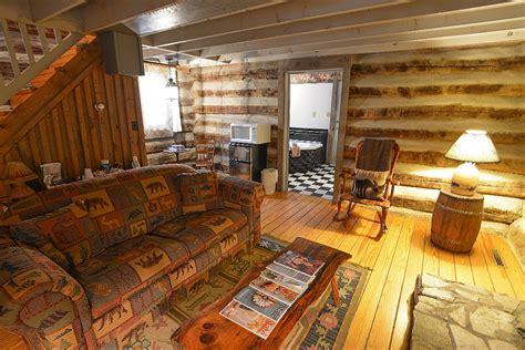 Pilot Knob Cabins by Pilot Knob Inn Suites