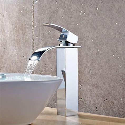 rubinetto per lavabo da appoggio rubinetto miscelatore con getto a cascata per lavabo d