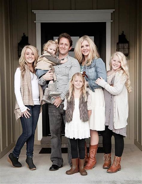 picture ideas for families bing family picture outfit ideas picture ideas pinterest