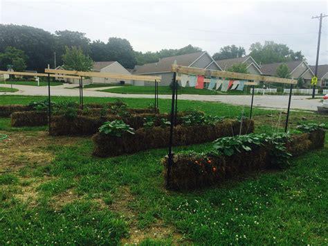 straw bail gardens
