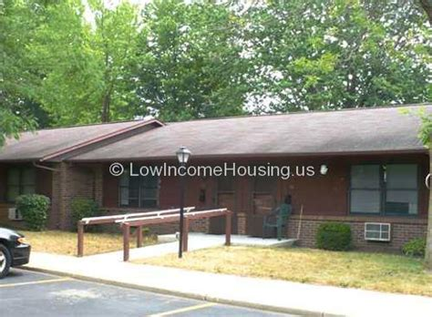 Low Income Housing Columbia Sc by Columbia Senior Apartments 525 E Columbia St South