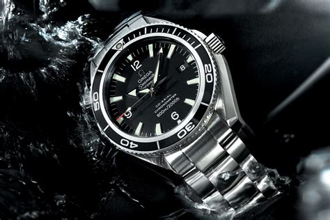 Omega Seamaster Quantum Of Solace omega seamaster and bond 007 a 20 year story monochrome watches