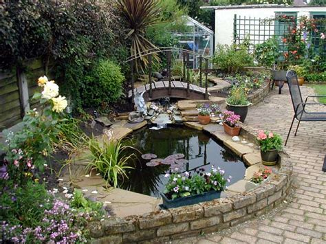 Garden Pond Ideas For Small Gardens Garden Pond Ideas Landscaping Gardening Ideas