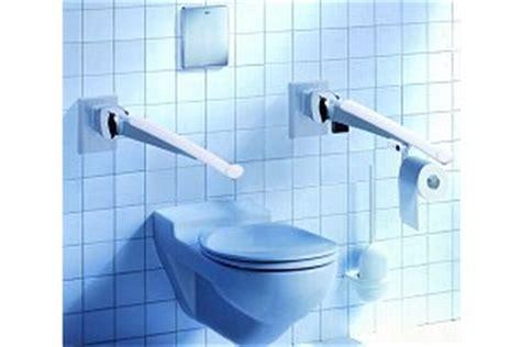 becken neben toilette barrierefreie toiletten f 252 r menschen mit behinderung