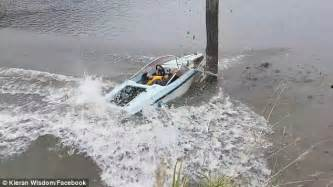 boat crash usa usa news boat driving on new zealand inlet crashes into