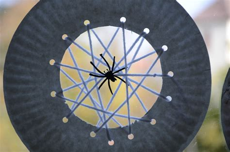 Paper Spider Craft - no wooden spoons paper plate spiderwebs kid craft
