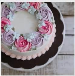 buttercreme kuchen best 25 buttercream flower cake ideas on