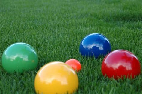Backyard With Balls Backyard For Adults Diy Outdoor