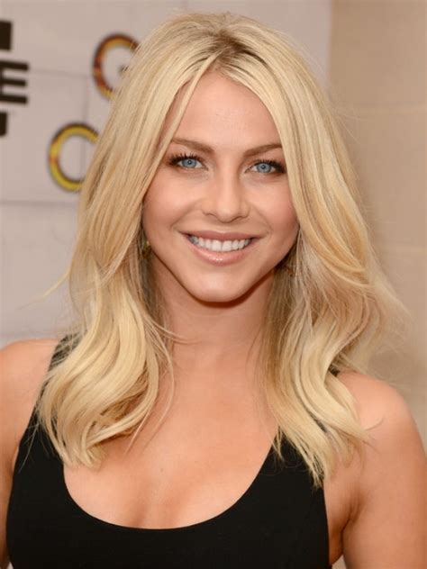 mid length hairstyles blonde julianne hough blonde medium wavy hairstyle for layers