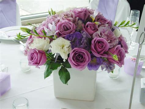 centrotavola di fiori composizioni floreali idee colorate e profumate per