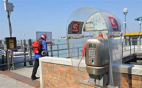 telecom cabine telefoniche le ultime cabine foto giorno corriere veneto