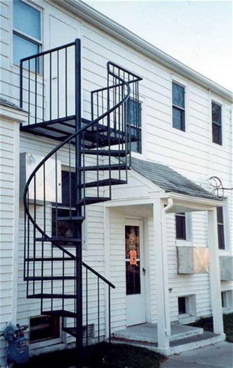 tangga putar minimalis modern  depok harga murah