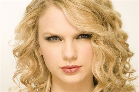 carrie underwood hairstyles hairstyles weekly hottest taylor swift hairstyle harvardsol com