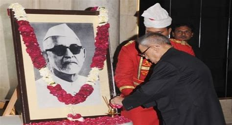 zakir hussain president biography in english pranab mukherjee paid tribute to former president zakir