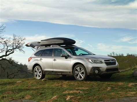 subaru outback 2018 vs 2017 2018 subaru outback vs 2017 see facelift changes in photo