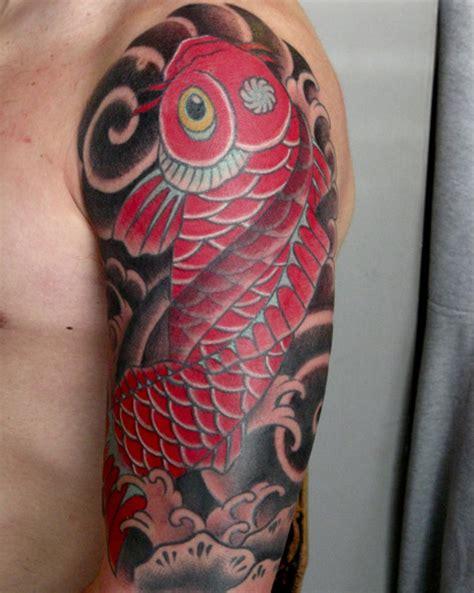 tattoo pez koi en el brazo pez koi un tatuaje con significado