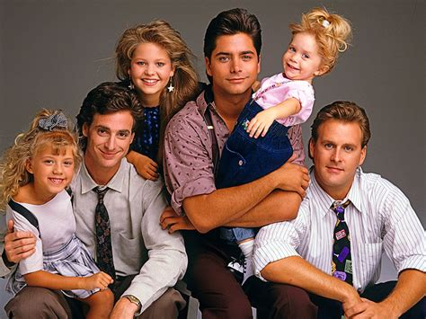 full house cast jodie sweetin says olsen twin s unlikely to return for fuller house season 2 people com