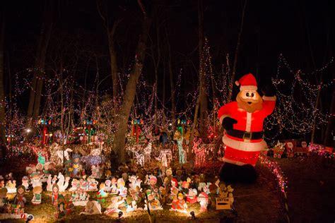 santa setti s christmas village in norwalk ct photos