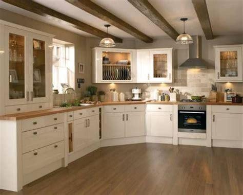 cream white kitchen cabinets best 20 cream kitchen cabinets ideas on pinterest