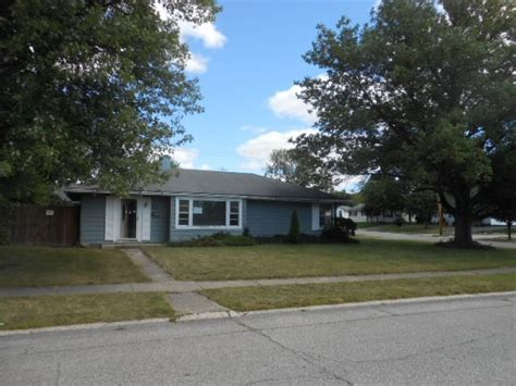 houses for sale shelbyville indiana 601 van ave shelbyville in 46176 reo home details