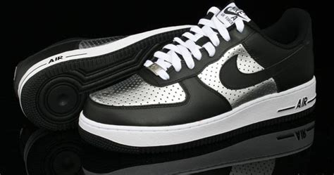 Sepatu Bola Nike Termahal Di Dunia 10 sepatu basket termahal di dunia severalcut