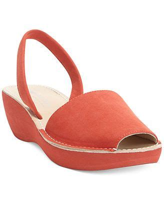 kenneth cole reaction s glass platform wedge