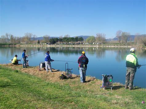 banco alimentare perugia terni gara di pesca sportiva al lago gatti pesci donati