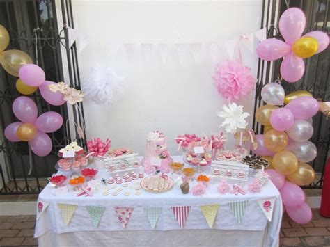 centro de mesa para bautizo con galleta decorada galleta decorada communion pink artesanas galletas y tartas decoradas mesa dulce para bautizo de raquel