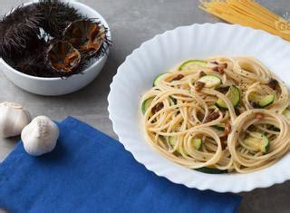 cucinare ricci di mare come preparare spaghetti ai ricci di mare guide di cucina