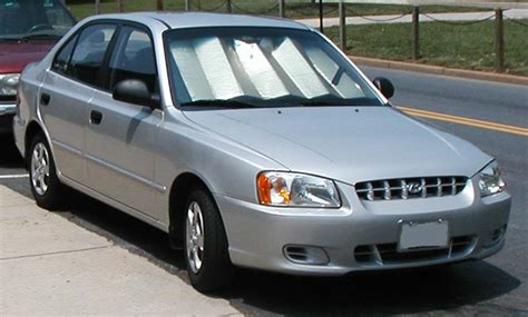 2000 hyundai accent ii sedan pictures information and
