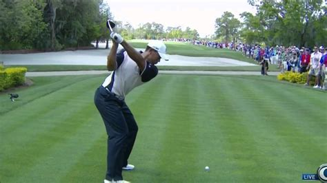 tiger woods swing from behind tiger woods swing vision 2012 driver youtube