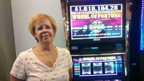woman wins  million  vegas airport slot machine video abc news