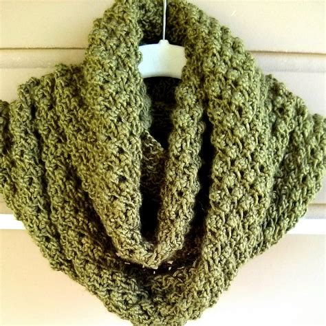 knit an infinity scarf with circular needles free knitting pattern budding infinity scarf pattern by