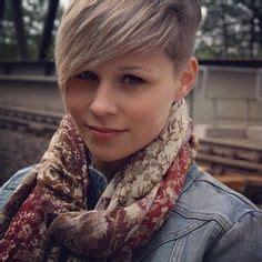 haircutting adventure stories les traits d 233 licats de cette jeune femme sont sublim 233 s par
