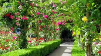 Beautiful Flowers In Garden Most Beautiful Garden Canada Gardens Flowers Botanical Gardens Hedge Fence