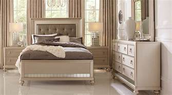 Rooms To Go Bedroom Sets Sale Sofia Vergara Paris Silver 5 Pc Queen Bedroom Queen