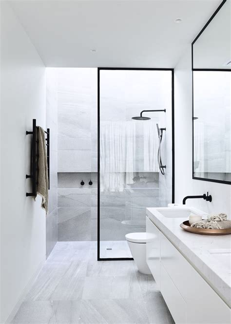 Modern White Bathroom 25 Best Ideas About Modern White Bathroom On Modern Bathroom Design Modern