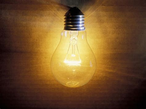 old school light bulbs make an efficient comeback