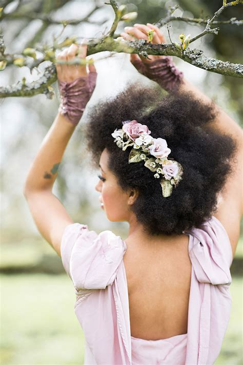 Wedding Hairstyles For Curly Afro Hair by Afro And Curly Bridal Hairstyles Creme De La