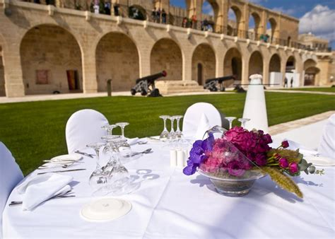 malta weddings photo gallery les mimis saluting battery in valletta photo courtesy of island caterers