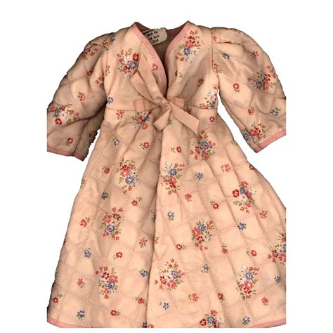 Patchwork Robe - vintage factory made quilted doll robe sold on ruby
