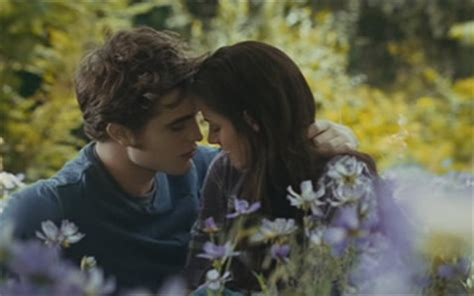 Dakota Fannings New Gets Horrible Reviews Critics Say Pointless by The Twilight Saga Eclipse 2010 Starring Kristen Stewart