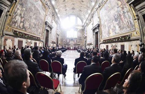 papa francesco santa sede discorso al corpo diplomatico per gli auguri 2016 papa