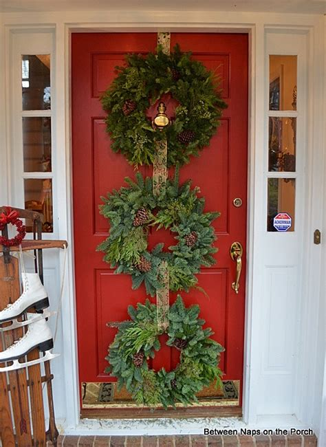 Ideas For Wreaths For The Front Door Door Ideas Decorate With Wreaths