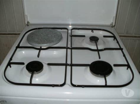 plaque électrique 2 feux 3554 plaque 3 gaz 1 electrique maison design wiblia