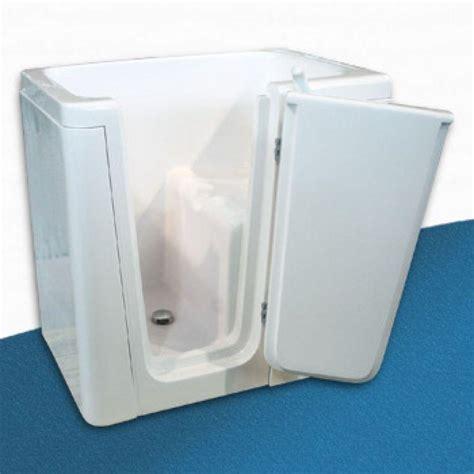 vasche da bagno per anziani prezzi prezzo vasca con sportello tonga per disabili e anziani